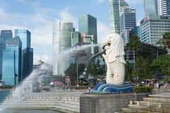 SINGAPURA, O 16 DE JULHO DE 2015: Vista da estátua de Merilon em Marina Bay mim Foto de Stock