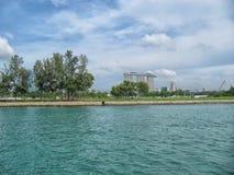 Singapura - 25o podem 2016 - um estado pequeno e aglomerado de 3Sudeste Asiático, famoso para seus alimento e skyline foto de stock