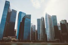 SINGAPURA, SINGAPURA - 16 DE JULHO DE 2015: Vista de Singapura do centro Imagens de Stock Royalty Free
