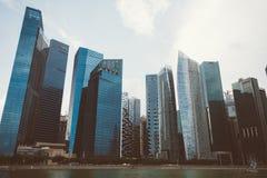 SINGAPURA, SINGAPURA - 16 DE JULHO DE 2015: Vista de Singapura do centro Fotografia de Stock