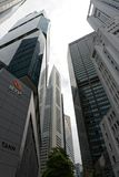 Singapura Skyscrappers no distrito financeiro Imagem de Stock