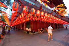 Singapura: Templo da relíquia de Toothe da Buda imagens de stock