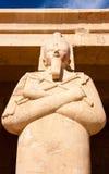 Singelstaty av den egyptiska guden Osiris Arkivbild