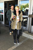 Singer Aslee Simpson with boyfriend at LAX Stock Photography