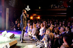 The singer of Myles Sanko (soul band) performs with the crowd at Luz de Gas club Royalty Free Stock Photos