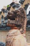 Singha或狮子雕象在Wat Pa Kung寺庙在Si Somdet区, Roi和,东北泰国 图库摄影