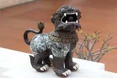 Singha lanna狮子雕象在北泰国2 免版税库存照片