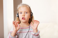 Singing little child Royalty Free Stock Photos