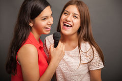 Singing with my best friend Royalty Free Stock Photos