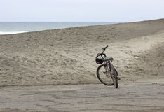 Single Bicycle On Sandy Beach Dune Royalty Free Stock Photo