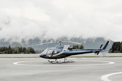 Single-engine Helicopter on platform Stock Photography