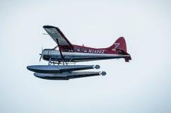 Free Single Prop Airplane Pontoon Plane Flying In Alaska Mountains Stock Photos - 96989333