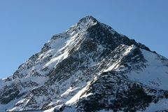 Single snowy peak Royalty Free Stock Photos