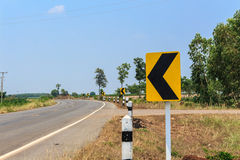 Singnals κυκλοφορίας στον αγροτικό δρόμο της Ταϊλάνδης Στοκ φωτογραφία με δικαίωμα ελεύθερης χρήσης