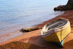 Singola barca Fotografie Stock Libere da Diritti