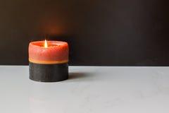 Singola luce della candela della stazione termale Fotografie Stock