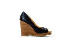 Singola scarpa del cuneo del tacco alto Fotografie Stock Libere da Diritti