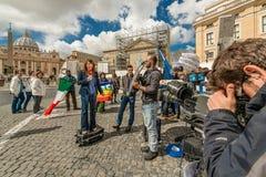 Singolary reporter i den vatican staten Royaltyfria Bilder
