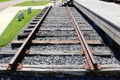 Singolo insieme dei binari ferroviari Immagine Stock