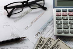 singolo tempo della forma di conto finanziario di ritorno di reddito di imposta per Fotografie Stock