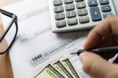 singolo tempo della forma di conto finanziario di ritorno di reddito di imposta per Immagini Stock Libere da Diritti