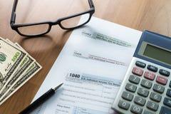 singolo tempo della forma di conto finanziario di ritorno di reddito di imposta per Immagine Stock