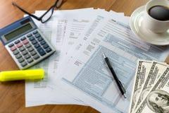 singolo tempo della forma di conto finanziario di ritorno di reddito di imposta per Immagine Stock Libera da Diritti