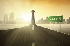 Singpost con il testo di vendite Fotografia Stock Libera da Diritti