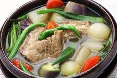 Sinigang della carne di maiale, cucina filippina Fotografie Stock