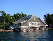 Sinkendes Haus