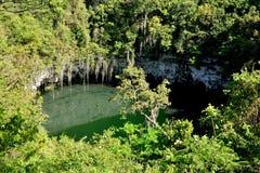 Sinkhole em uma caverna Los Tres Ojos Fotos de Stock Royalty Free