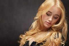 Sinnliche blonde Frau Lizenzfreie Stockfotos
