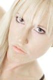 Sinnliche Blondine auf Winkel Lizenzfreie Stockfotos