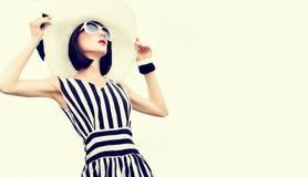 sinnliche Modefrau im Urlaub Stockfotos