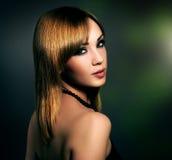 Mädchen mit schönem Make-up Stockfotografie