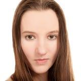 Sinnliches Nahaufnahmeportrait der reizvollen jungen Frau Stockbilder