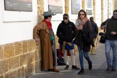 Sinnliga Cadiz Folk i gatan 12 Arkivbild