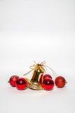Sino dourado do ornamento do Natal e sino vermelho Fotografia de Stock Royalty Free