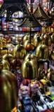 Sinos decorativos internos em um mercado imagem de stock royalty free