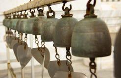 Sinos do templo em Tailândia Foto de Stock