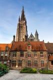 Sint Janhospitaal et église de notre Madame, Bruges Photographie stock