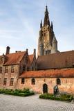 Sint Janhospitaal och kyrka av vår dam, Bruges Arkivbild