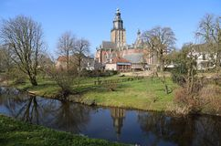 Sint Walburgiskerk i Zutphen, Nederländerna fotografering för bildbyråer