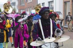 Sinterklaas e Zwarte Piet che arriva Fotografie Stock Libere da Diritti