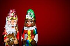 Sinterklaas en zwarte piet Nederlands chocoladebeeldje Royalty-vrije Stock Foto