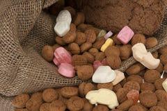 Sinterklaas llenos del bolso del yute Fotos de archivo