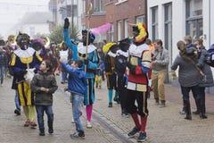 Sinterklaas och Zwarte Piet som ankommer Royaltyfri Foto