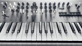 sintetizador análogo metálico fotografia de stock