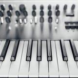 sintetizador análogo metálico imagem de stock royalty free
