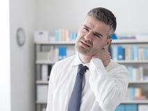 Sintomas da dor de pescoço foto de stock royalty free